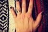 Мужчины стали красить ногти