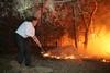 Виктор Ющенко тушил лесной пожар в Херсонской области