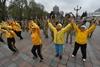 Министр здравоохранения Ульяна Супрун сделала зарядку в Мариинском парке