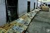 В Чернигове после потопа сушат архив старинных газет из библиотеки Короленко