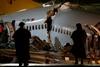 В аэропорту Стамбула развалился самолет
