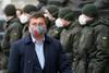 политики в масках