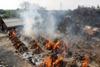 в индии сжигают тела