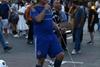 мужчина в футбольной форме украины