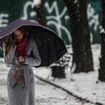 Неделя в Украине начинается с гололеда и сильного снега