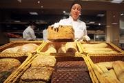 Подорожает хлеб и подешевеет гривна: как жара отразится на украинской экономике