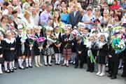 Родители киевских учеников:  У нас 9 первых классов. А школа не лопнет?