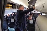 Президент, как и народ, сел в обычный самолет