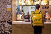 Откровения курьеров Glovo и UberEat: Заказывают виагру, колготки и уголь для мангала
