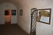 В Антониевых пещерах лечили бесноватых
