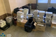 Дипломаты-контрабандисты: в Польшу везут сигареты, в Париж - прялки