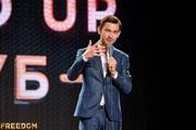 Стендап-комик Бекир Мамедиев – о шутках про Крым, смешном и не смешном юморе и заработках стендапера