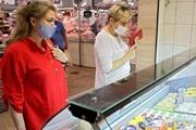 Наступила третья стадия бедности: украинцы продают доллары