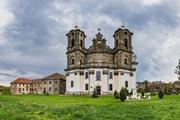 Волонтеры, спасающие уникальный костел: Таких храмов всего два: один в Прикарпатье, второй в Италии