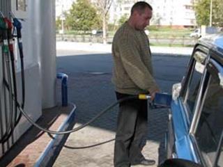 Бензин дорожает ежедневно