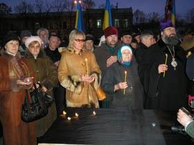На площади Свободы будут гореть свечи