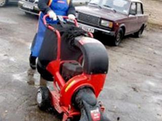 Мелитопольские улицы убирают пылесосами
