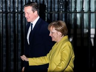 Меркель и Кэмерон заявили, что с нетерпением ждут новых переговоров между Украиной и Россией