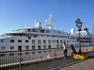 В Одесский порт зашел круизный лайнер-гигант