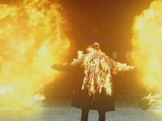 Макса Барских поджарили заживо в новом клипе