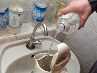 В Киеве из-за холода включат горячую воду