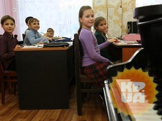 Педагоги о декоммунизации программы музыкальных школ:  Нам скоро запретят балалайку и гусли