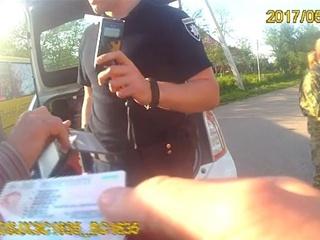 Во Львовской области патрульные остановили пьяного водителя школьного автобуса