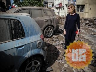 Киевляне – о прорыве трубы и разбитых авто:  Думали, что и дом рухнет