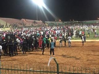 Жертвами давки на стадионе в Дакаре стали 8 человек
