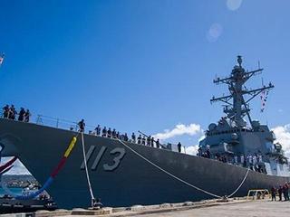 США спустили на воду новейший ракетный эсминец