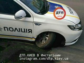 Полицейские впервые разбили новый внедорожник Mitsubishi Outlander