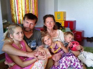 Семья Батеньковых из Житомирской области:  У нас отобрали детей, ведь мы не такие, как все