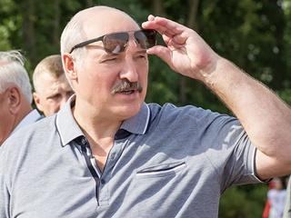 Очередной перл Лукашенко:  Лопату в зубы - и пошел работать