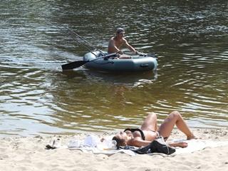 На всех пляжах Киева лучше не купаться