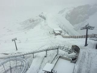 В Швейцарии выпал снег