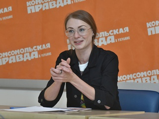 Помощница Кошевого в  Слуге народа :  В сериал попала дерзко и без проб
