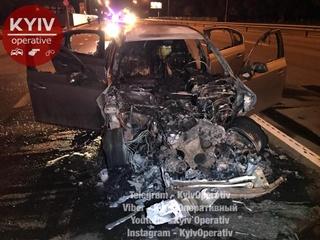 В Киеве объявили в розыск водителя  сгоревшего BMW