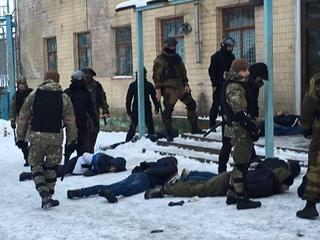 В Винницкой области 20 человек с оружием пытались захватить предприятие