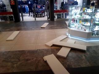 В Луцке обрушился потолок в торгово-развлекательном центре