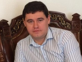 Сбежал одесский депутат, который предложил полмиллиона долларов взятки агенту НАБУ