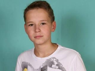 Конфликт в Харькове – участники спорят, нужно ли присваивать имя погибшего в теракте школьника его школе