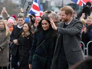 Меган Маркл надела пальто в клетку во время визита в Шотландию