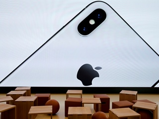 Bloomberg: В 2018 году выйдут три новых iPhone, включая бюджетный вариант