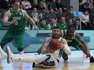 Полуфинал Суперлиги:  Днепр  разгромил  Химик ,  Черкасськи мавпи  обыграли  Николаев