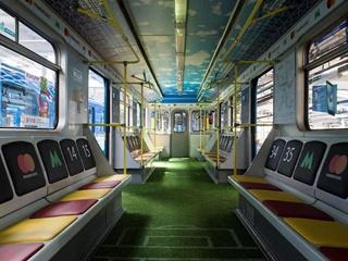 В Киеве начал курсировать футбольный  вагон-стадион