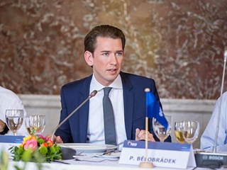 Курц предложил направить пограничников ЕС в Африку