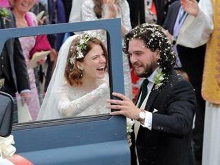 Звезды  Игры престолов  сыграли свадьбу