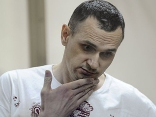 Роман Сущенко попросил Сенцова прекратить голодовку