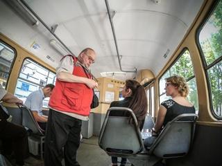 Подорожание транспорта: за цену безлимитного проездного в Киеве можно месяц кормить семью