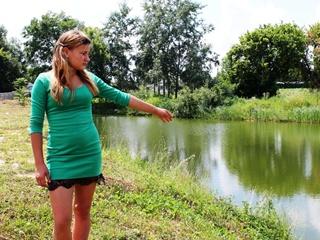 Девочка-спасатель: 13-летняя школьница трижды вытаскивала тонущих из воды